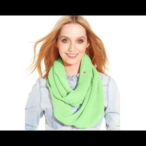 BCBGENERATION SOLID WAFFLE KNIT INFINITY SCARF